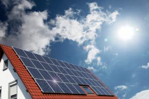 太陽光発電に適した屋根は?